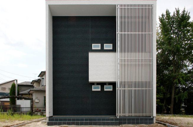 目を引く外観!モダンな雰囲気の木造住宅