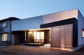 シンプルでモダンな平屋(新築木造住宅)